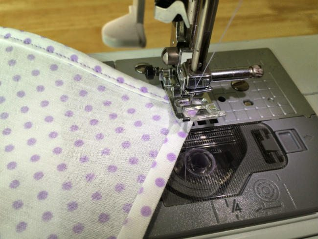 Corner pocket square stitching