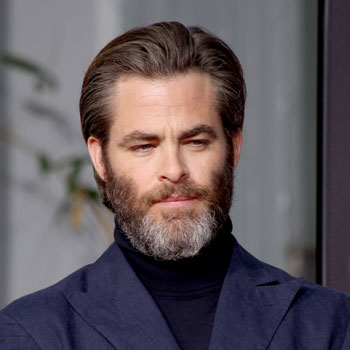 E Chris Pine Nautral Cheek Line Beard July 2017