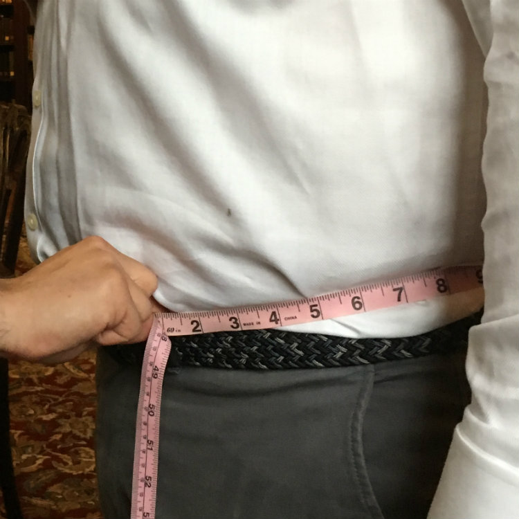 how to take a pant waist measurement