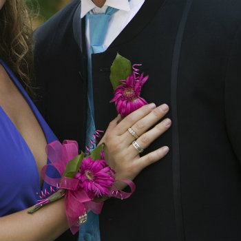 Kids-Going-To-Prom-Boutonniere-And-Corsage