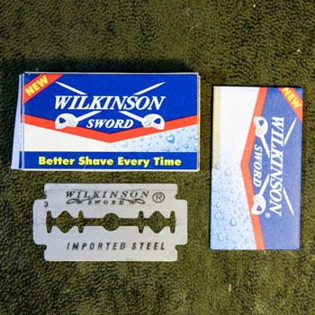 wilkinson sword razor blade with envelope & puck