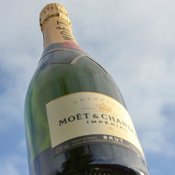 Moët & Chandon Impérial Brut Champagne Review: Is The World's Most Popular Champagne Worth The Hype?