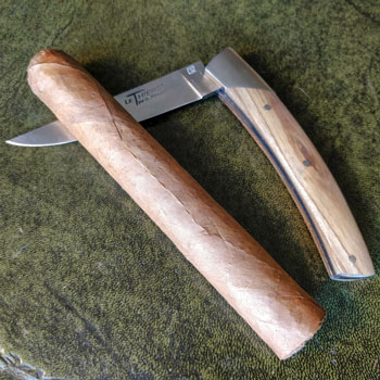 How To Cut A Cigar With A Knife