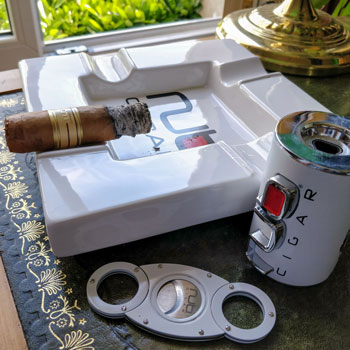 Nub Connecticut Cigar & Merchandise
