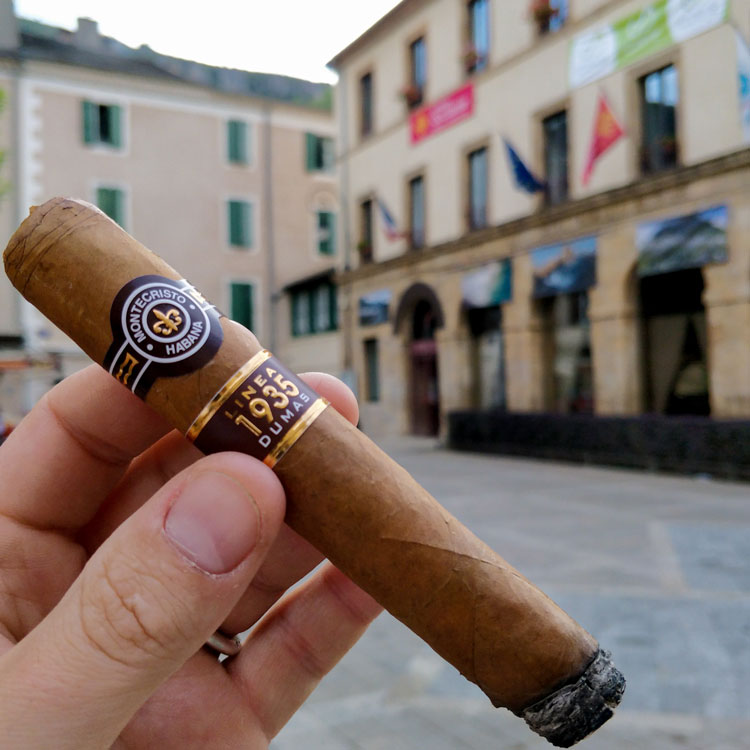 Montecristo Linea 1935 Dumas In Old French Town