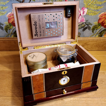 Humidor For Pipe Tobacco