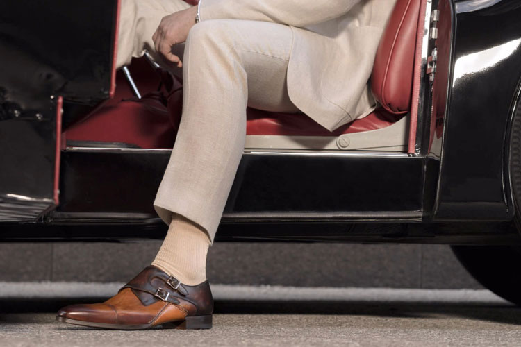 Magnanni Ondara Shoes & Classic Car