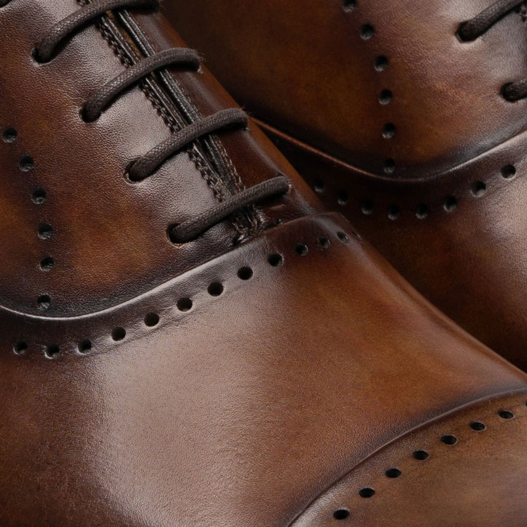 Magnanni Shoe Throat Close-Up