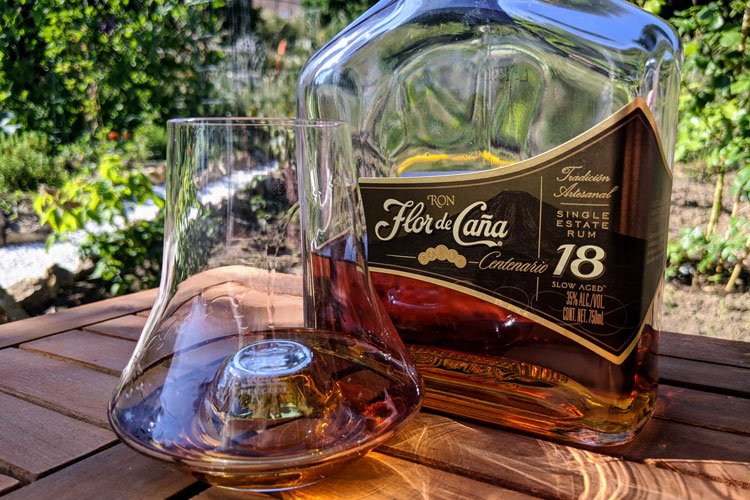 Flor de Caña 18 Bottle Close Up